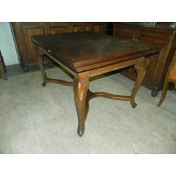 Piękny rozkładany stół...