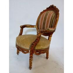 Wyjątkowy fotel pałacowy.