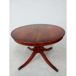 Okrągły, rozkładany stół w...