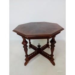 Eklektyczny stolik...