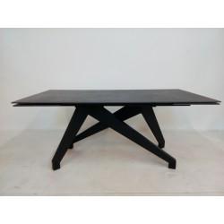 Elegancki czarny stół szklany