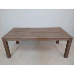 Duży drewniany stół rozkładany