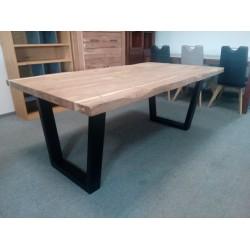 Wyjątkowy stół z drewna...