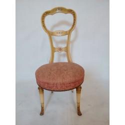 Oryginalne krzesła...