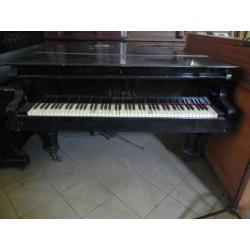 Zabytkowy fortepian...
