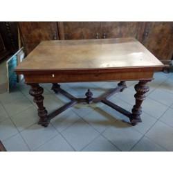 Stary, drewniany stół...