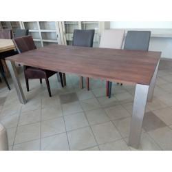 Nowoczesny drewniany stół...