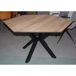 Sześciąkątny stół na...