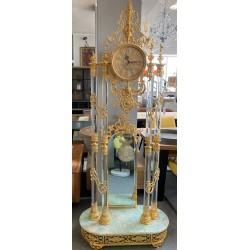 Duży zegar z kryszałem...